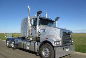 2012 Mack TRIDENT (ADD BLUE ENGINE) LOW KLMS.