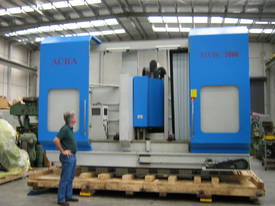 Eumach Travelling Column 3 or 5 Axis Machining Centre - picture4' - Click to enlarge