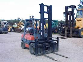 Toyota forklift 02-6FG30 - picture0' - Click to enlarge