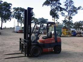 Toyota forklift 02-6FG30 - picture3' - Click to enlarge