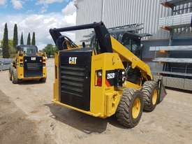 USED 2015 CAT 262D SKIDSTEER LOADER WITH LOW 1010 HOURS IN VERY GOOD CONDITION - picture7' - Click to enlarge