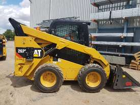 USED 2015 CAT 262D SKIDSTEER LOADER WITH LOW 1010 HOURS IN VERY GOOD CONDITION - picture10' - Click to enlarge