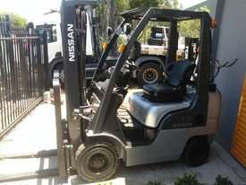 Nissan Forklift 1.8 Ton 4.3m Lift Height Container Entry Late Model Low Hrs - picture0' - Click to enlarge