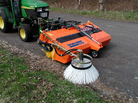 Tuchel Kompakt Road Sweeper - picture1' - Click to enlarge