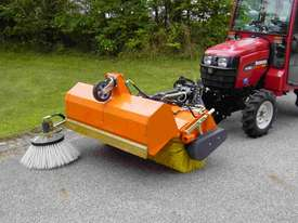 Tuchel Kompakt Road Sweeper - picture3' - Click to enlarge