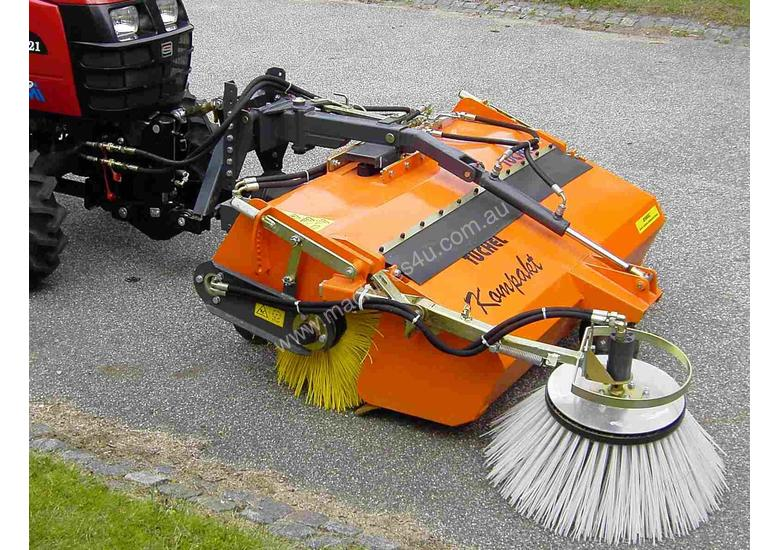 Tuchel Kompakt Road Sweeper