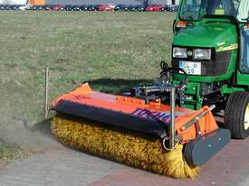 Tuchel Kompakt Road Sweeper - picture10' - Click to enlarge