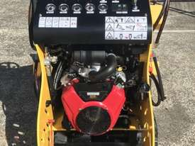 Razorback Mini Track Loader - picture2' - Click to enlarge