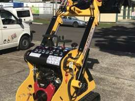 Razorback Mini Track Loader - picture10' - Click to enlarge