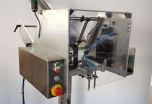 Pick and place tray denester to suit trays, lids and clam-shell packaging