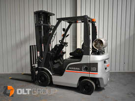 Nissan P1F1A18DU Forklift 1.8 ton LPG fork 5500mm Lift Height 3 Stage Mast - picture18' - Click to enlarge