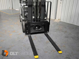 Nissan P1F1A18DU Forklift 1.8 ton LPG fork 5500mm Lift Height 3 Stage Mast - picture4' - Click to enlarge