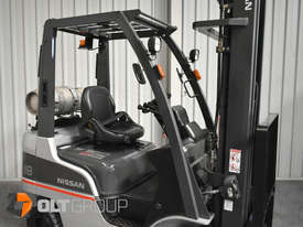 Nissan P1F1A18DU Forklift 1.8 ton LPG fork 5500mm Lift Height 3 Stage Mast - picture5' - Click to enlarge