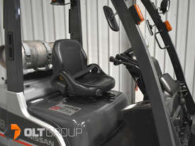 Nissan P1F1A18DU Forklift 1.8 ton LPG fork 5500mm Lift Height 3 Stage Mast - picture6' - Click to enlarge