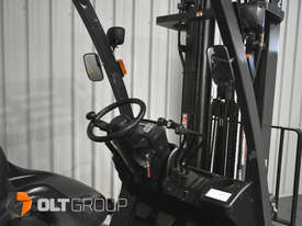 Nissan P1F1A18DU Forklift 1.8 ton LPG fork 5500mm Lift Height 3 Stage Mast - picture8' - Click to enlarge