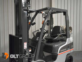Nissan P1F1A18DU Forklift 1.8 ton LPG fork 5500mm Lift Height 3 Stage Mast - picture13' - Click to enlarge