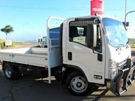 2016 Isuzu NPR 65 190 AMT MWB 5th Wheel Hitch - picture0' - Click to enlarge
