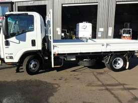 2016 Isuzu NPR 65 190 AMT MWB 5th Wheel Hitch - picture1' - Click to enlarge