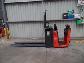 Used Forklift: N24HP Genuine Preowned Linde 2.5t - picture0' - Click to enlarge