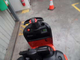 Used Forklift: N24HP Genuine Preowned Linde 2.5t - picture3' - Click to enlarge