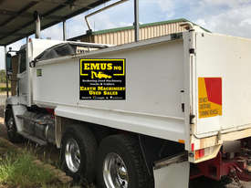 2013 Freightliner CL112 Bogie Tipper Truck. EMUS TS433 - picture3' - Click to enlarge