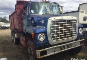 Ford   Louisville L8000
