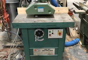 YES HEAVY DUTY SPINDLE MOULDER WITH FEEDER