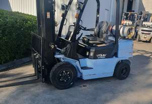 Used Utilev  2.5 tonne LPG/Petrol  Container Mast Forklift