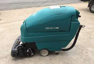 Tennant   1610 Floor Scrubber