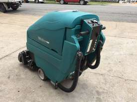 Tennant 1610 Floor Scrubber - picture0' - Click to enlarge