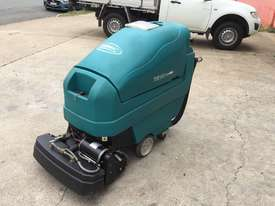 Tennant 1610 Floor Scrubber - picture1' - Click to enlarge
