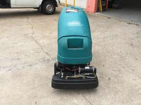 Tennant 1610 Floor Scrubber - picture2' - Click to enlarge