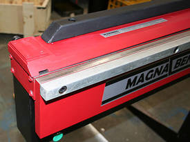 Magnabend 3200mm Magnetic Folder - 3 Blades Fitted - picture2' - Click to enlarge