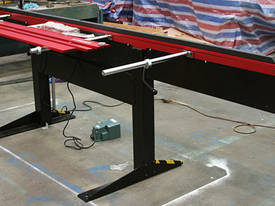 Magnabend 3200mm Magnetic Folder - 3 Blades Fitted - picture4' - Click to enlarge