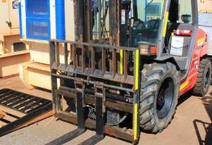 Manitou MH25-4 Buggie 2500kg Diesel 4×4 Forklift with 3700mm Three Stage Container Mast
