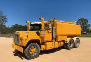 Mack R series Water truck Truck