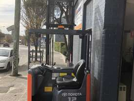 Toyota Forklift Reach  - picture0' - Click to enlarge