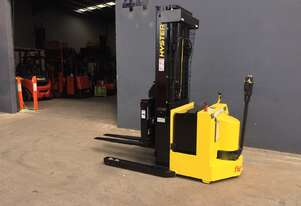 Hyster W30XTR Heavy Duty Walkie Reach Container Mast Forklift -Fully Refurbished