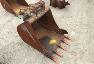 09/06, 570mm Digging Bucket Attachment To Suit Excavator, Fitted With Pin 45mm, Ear 170mm, Centre 27