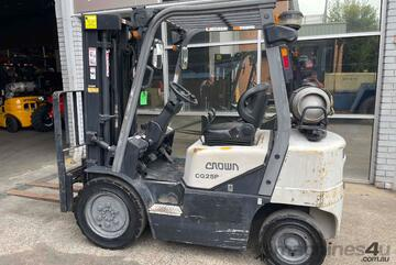 2.5 Tonne Container Mast Forklift For Sale!