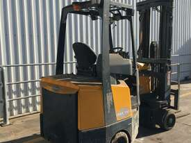 2.0T Battery Electric Narrow Aisle Forklift - picture1' - Click to enlarge