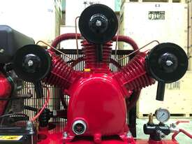 BOSS 42 CFM/ 10HP DIESEL COMPRESSOR ON 160L TANK - picture0' - Click to enlarge