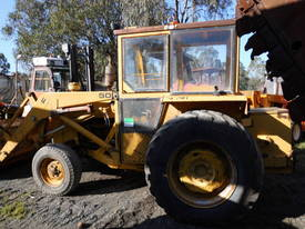 MF-50 loader with 3PL and pto , ex gov,  920hrs - picture0' - Click to enlarge