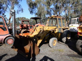 MF-50 loader with 3PL and pto , ex gov,  920hrs - picture1' - Click to enlarge