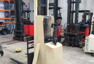 CROWN 20IMT130 Walkie Straddle Forklift