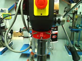 Industrial Belt Drill, Reverse Vice, LED Lamp - picture9' - Click to enlarge