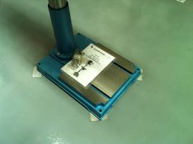 Industrial Belt Drill, Reverse Vice, LED Lamp - picture10' - Click to enlarge