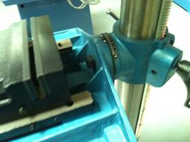 Industrial Belt Drill, Reverse Vice, LED Lamp - picture13' - Click to enlarge