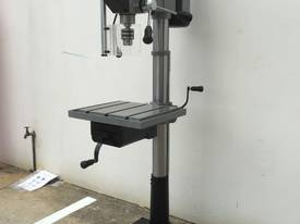 Industrial Belt Drill, Reverse Vice, LED Lamp - picture14' - Click to enlarge