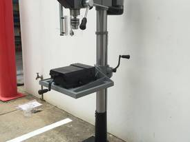 Industrial Belt Drill, Reverse Vice, LED Lamp - picture1' - Click to enlarge